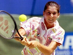 Monica Seles at her peak in Melbourne 1993 (thanks to sportsillustrated.com)
