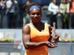 Serena stands proud with her Madrid trophy (Thanks to sports.terra.com)