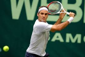 Federer gets ready to slice in Halle (Thanks to france24.com)